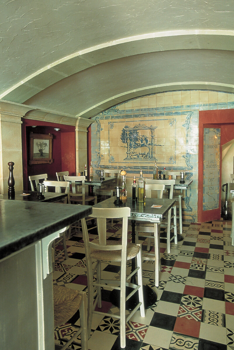 patchwork sur le sol d'un restaurant à Paris 75, Cimenterie de la Tour