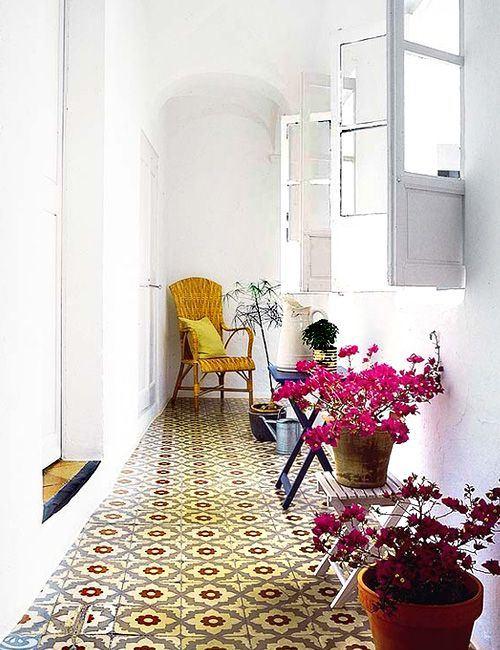 photos vid os cimenterie de la tour. Black Bedroom Furniture Sets. Home Design Ideas