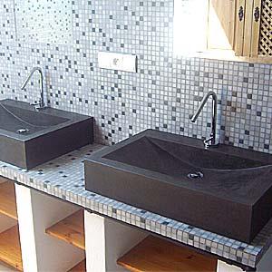 vasque salle de bain avec faience