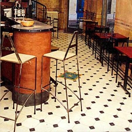 restaurant 3 cimenterie de la tour. Black Bedroom Furniture Sets. Home Design Ideas