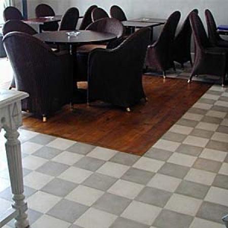 s jour 7 cimenterie de la tour. Black Bedroom Furniture Sets. Home Design Ideas