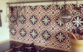 kitchen-wall-cement-tiles-classic-style-edinburgh-england-cimenterie-de-la-tour