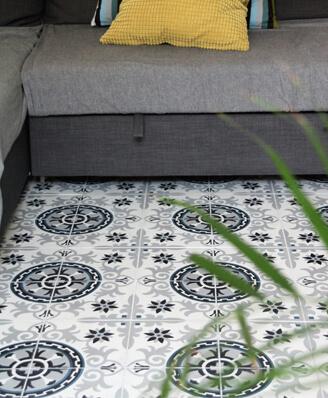 Carreau de ciment motif floral dans un séjour à Chamberry 73 par Cimenterie de la Tour
