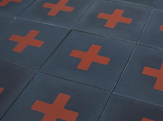 carreaux-de-ciment-bleu-rouge-croix-cimenterie-de-la-tour-piergil-fourquie