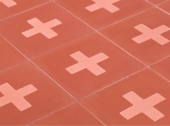 carreaux-de-ciment-rouge-croix-cimenterie-de-la-tour-piergil-fourquie