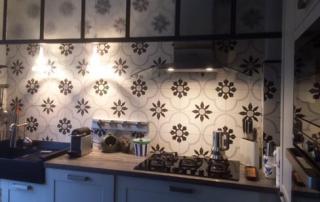 Credence cuisine carreaux de ciment floraux Nîmes 30, Cimenterie de la Tour