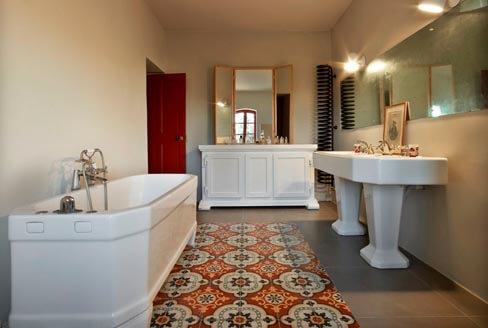 Salle de bain carreaux de ciment anciens colorés à Poitiers 86, Cimenterie de la Tour