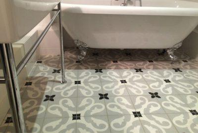 Salle de bain motifs carreaux de ciment anciens Brest 29, Cimenterie de la Tour