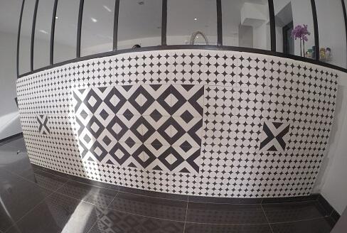 Carreaux de ciment modernes et géomtriques séjour Jeumont par Cimenterie de la Tour
