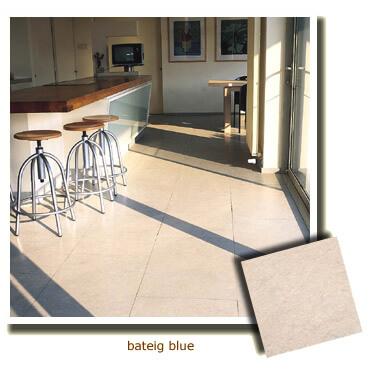 pierre naturelle sur le sol d'une cuisine