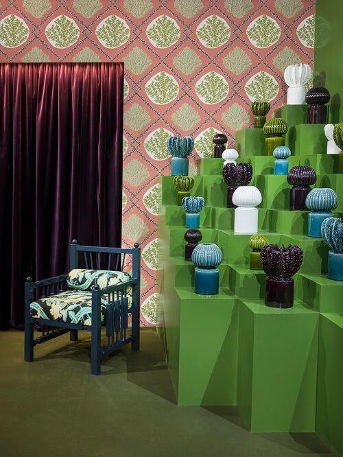 décoration tendance verte et pêche au salon maisone et objet vers paris