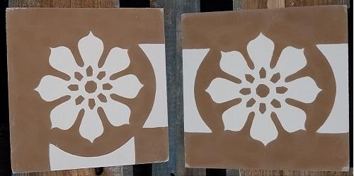 bordure de carreaux de ciment marron