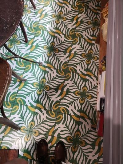 carreaux de ciment floral vert et jaune
